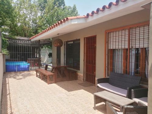 Casa Malvin Norte Camino Carrasco 2 Dormitorios Impecable