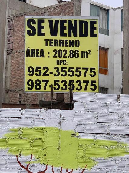 Venta De Terreno Con Area : 202, 86 M2.