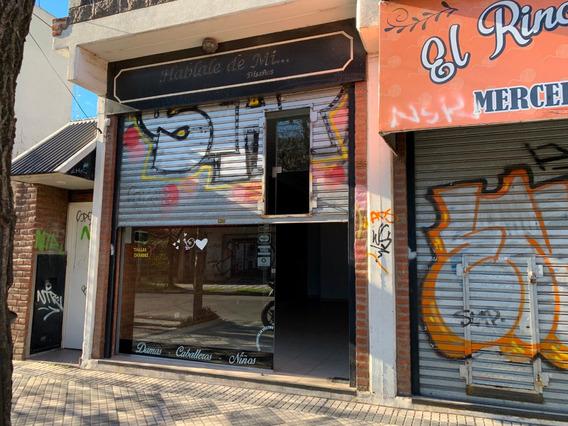 Excelente Local Comercial Centrico. Luis Guillón