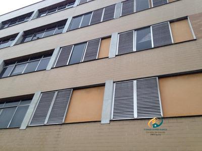 Apartamento A Venda No Bairro Centro Em Nova Friburgo - Rj. - Av-192-1