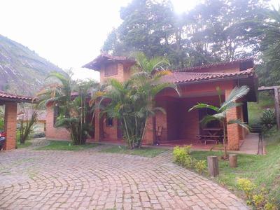 Linda Casa Rústica Em Local Tranquilo - E4889