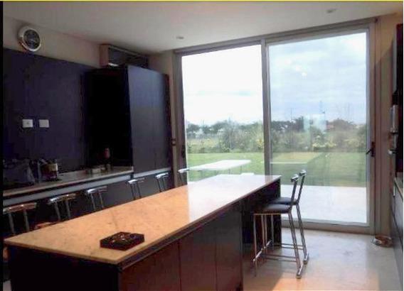 Casa En Venta En Lote Interno, 3 Dormitorios En Suite, En Barrio Los Alisos, Nordelta, Tigre