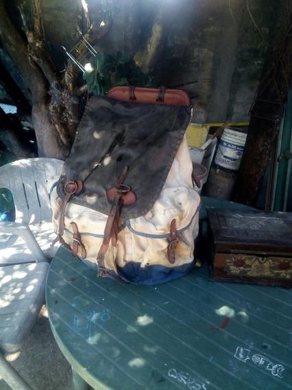 Mochila Antigua De Lona Y Caños Tipo Militar.3 Bolsillos