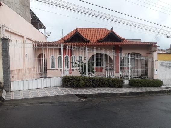 Excelente Casa De 4 Quartos Com 3 Vagas De Garagem E Hidroma