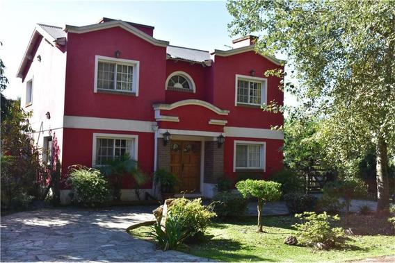 Casa De 5 Ambientes En Barrio Las Fuentes.nuevas Condiciones