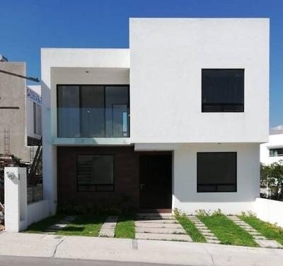 Hermosa Casa En Fracc. Privado Con Campo De Golf