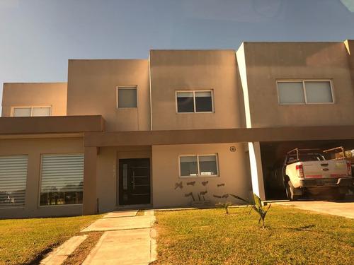 Imagen 1 de 14 de Casa En Venta Haras Las Lomas