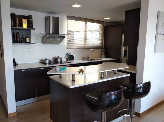 Alquiler De Amplio Y Moderno Apartamento En Lechería