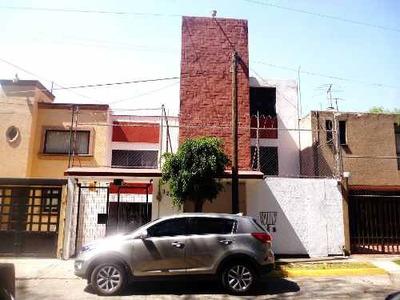 Renta De Casa En Hacienda De Echegaray. La Mejor Ubicación.