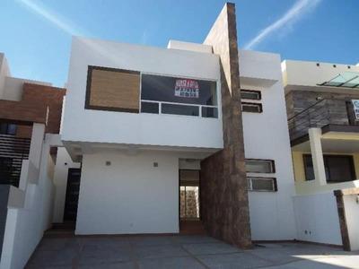 Casa Sola En Renta Zibata
