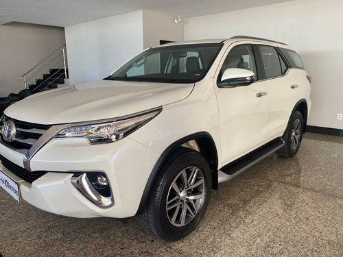 Toyota Hilux 2.8 Srx 7 Lugares 2020/2020