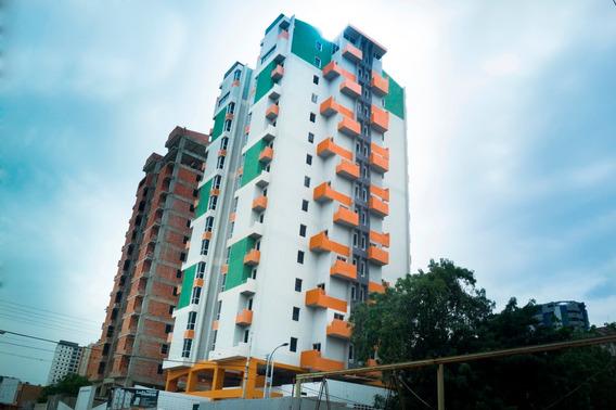 Apartamentos En El Centro, Res. Los Ilustres