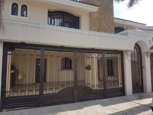 Casa En Venta En Jardines De La Paz