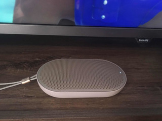 Parlante Portátil Bluetooth Bang And Olufsen Beoplay P2