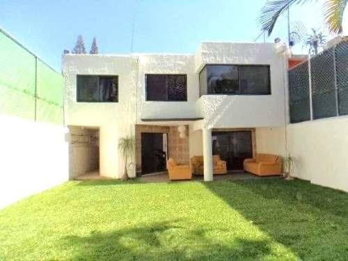 Venta Casa Sola Moderna En Col. Lomas De Cortes