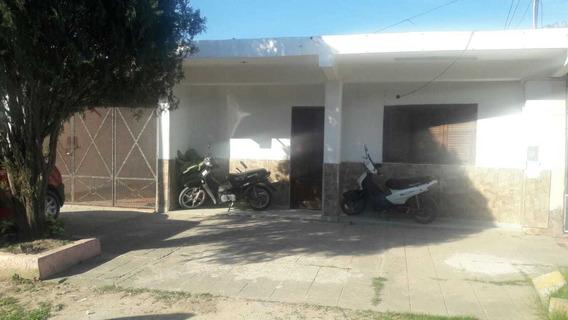 Casa A La Venta En Barrio Vial Con Departamentos