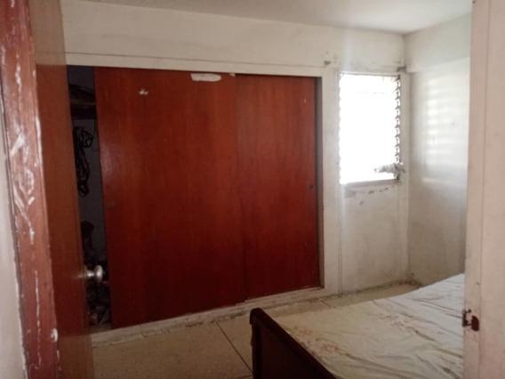 Maison Vende Apartamento En El Centro 04243007048