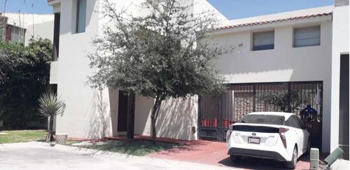 Imagen 1 de 8 de Casa En Venta En Los Viñedos