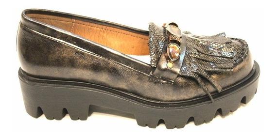 Mocasín Cuero Mujer Flecos Art Boston. Marca Claris Shoes