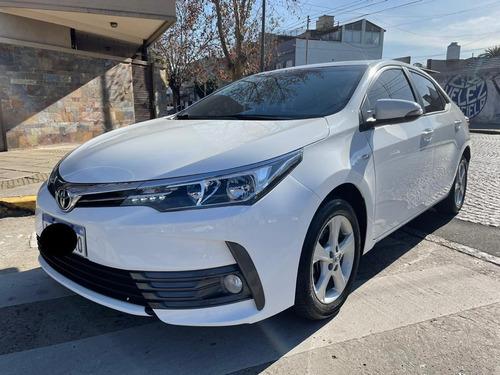 Imagen 1 de 13 de Toyota Corolla 2017 1.8 Xli Cvt 140cv