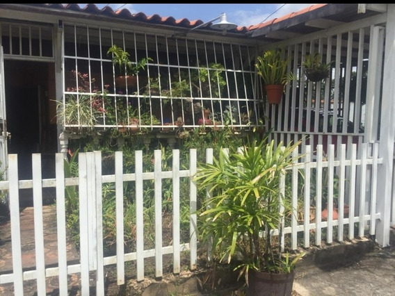 Casa En Tierra Del Sol 4 Habitaciones Y 3 Baños