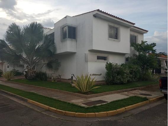 Hermosa Casa En Las Clavellinas, 380mt (380000)