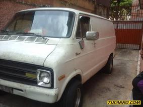 Dodge Ram Van 1