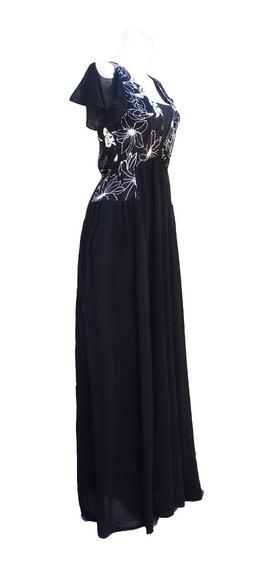 Vestido Largo Negro Con Bordado En Saten Plateado.