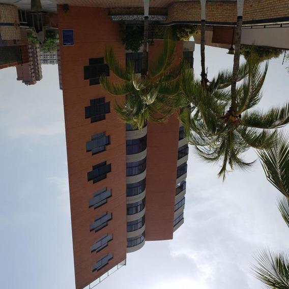 Apartamento En VentaPlaya Grande Mls #20-21265