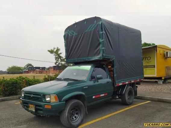 Toyota Hilux Mt Estacas