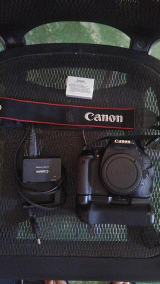 Câmera Fotográfica Canon Eos Rebel T3i 600d (corpo) + Grip