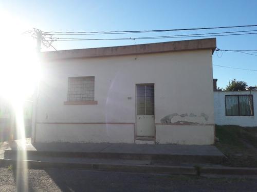 Imagen 1 de 5 de Vendo Casa De 3dorm Con Garage.