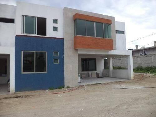Casa En Venta En Residencial San Isidro En San Bartolome Tlatelulco, Metepec