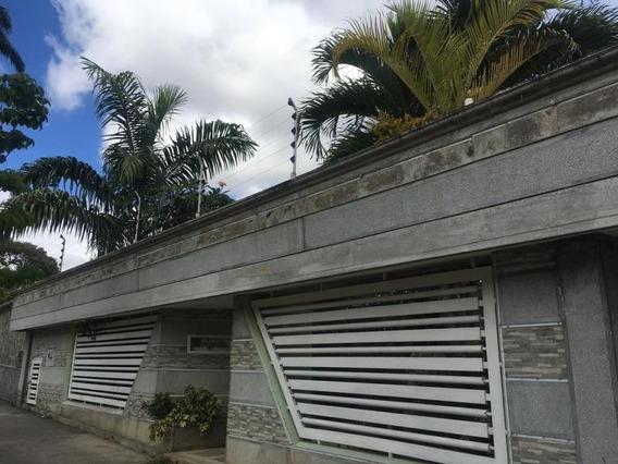 Casa En Venta Prados Del Este Mls #20-9740