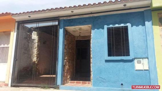 Casa En Venta Zona Ind.el Recreo Valencia 19-9687 Acrr
