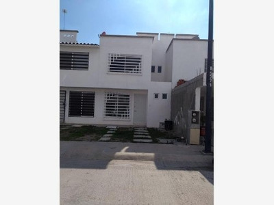 Casa Sola En Renta Frac. Valle Real