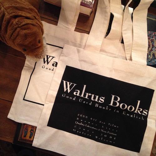 Imagen 1 de 1 de Bolsa Walrus Books
