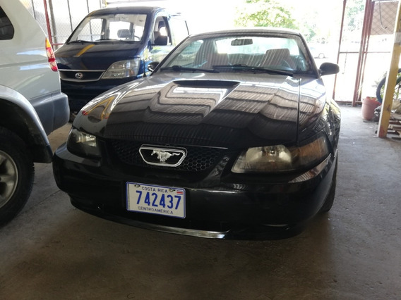 Ford Mustang Año 2000 Negro
