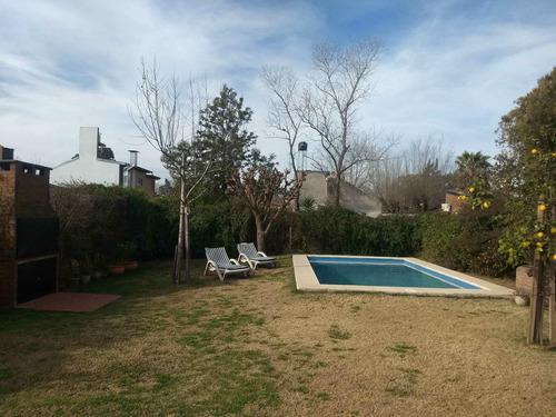 Imagen 1 de 22 de Casa En Venta 3 Ambientes En Funes Con Pileta.