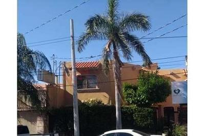 Se Renta Local En Colonia Centro