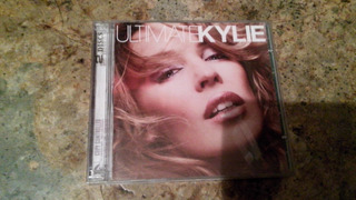 Vendo Cd Ultimate Kylie