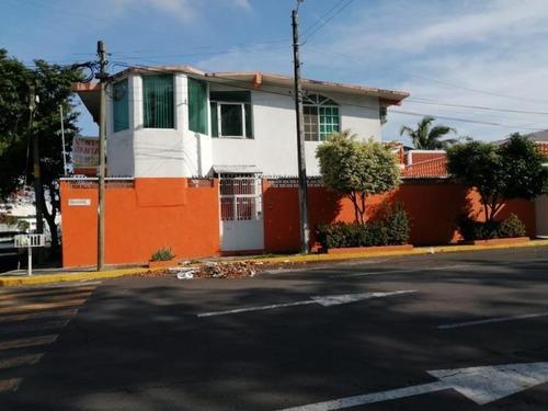 Casa Sola En Venta Manuel Nieto