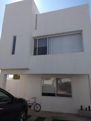 Hermosa Casa En Condominio Santa Fe Juriquilla