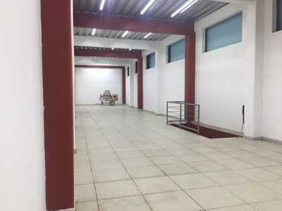 Edificio De Bodegas En Venta, En La Merced