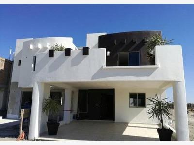 Casa Sola En Venta Prados Del Sol Residencial En Privado Cerca De Plaza Sendero Y Parque Lineal