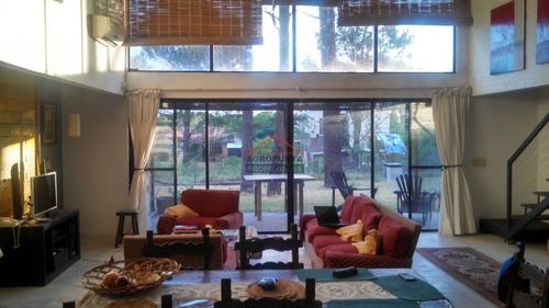 Casa En Punta Ballena, 4 Dormitorios *- Ref: 4005
