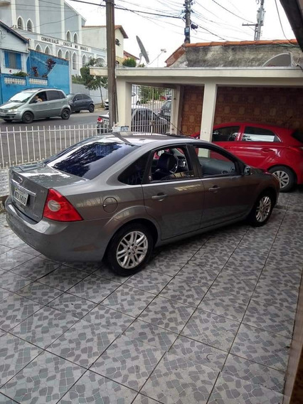 Ford Focus Sedan 2.0 Ghia Flex Aut. 4p 2010
