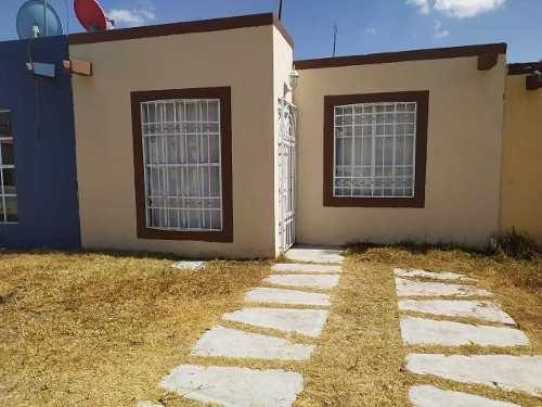 Excelente Casa En Muy Buenas Condiciones, Bastante Amplia Y Bonita.