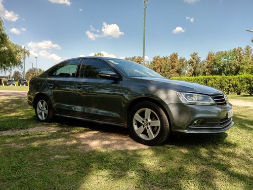 Volkswagen Vento 2.5 Advance Plus 170cv 2016