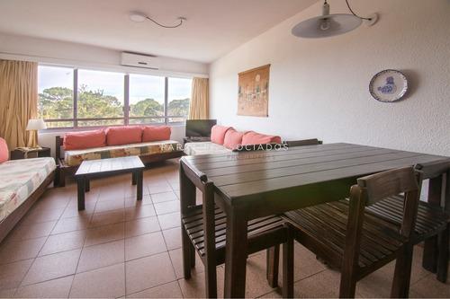 Departamento De 1 Dormitorio En Roosevelt, Punta Del Este-ref:1402